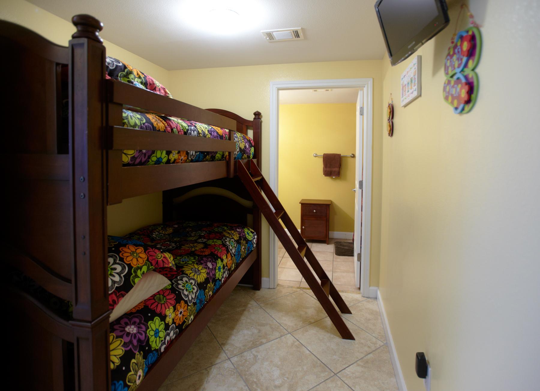 Bunk Room Unit 502