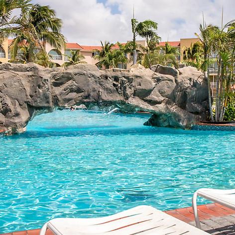 la-cabana-beach-resort-pool5.jpg
