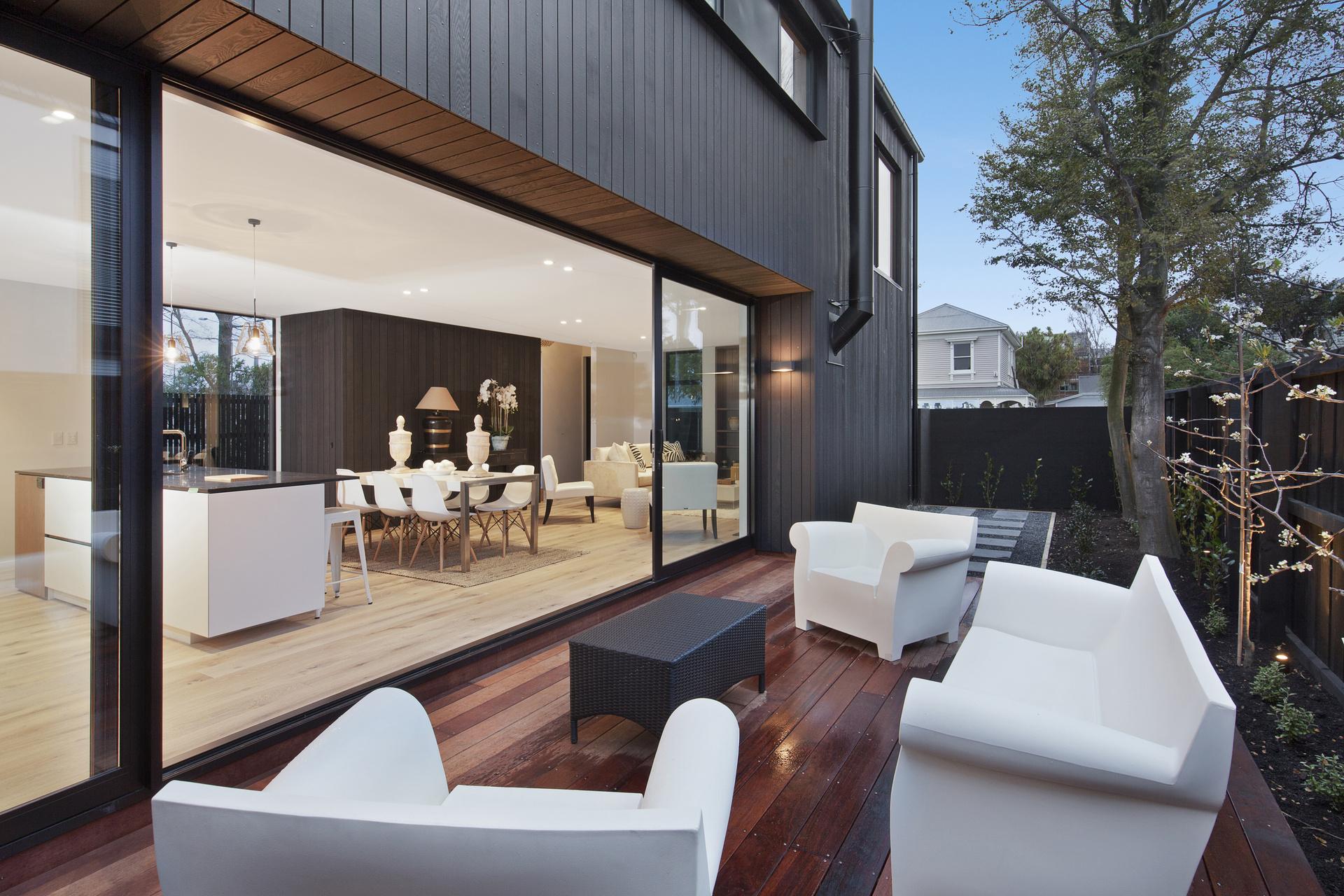 378 Durham Street - living area view
