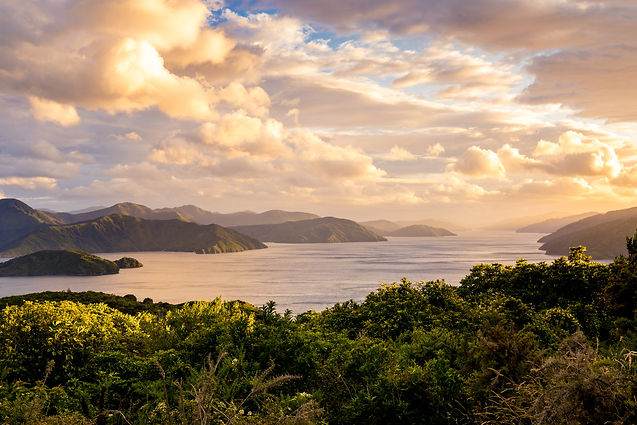 Ara-sunrise-over-marlborough-sounds-3675
