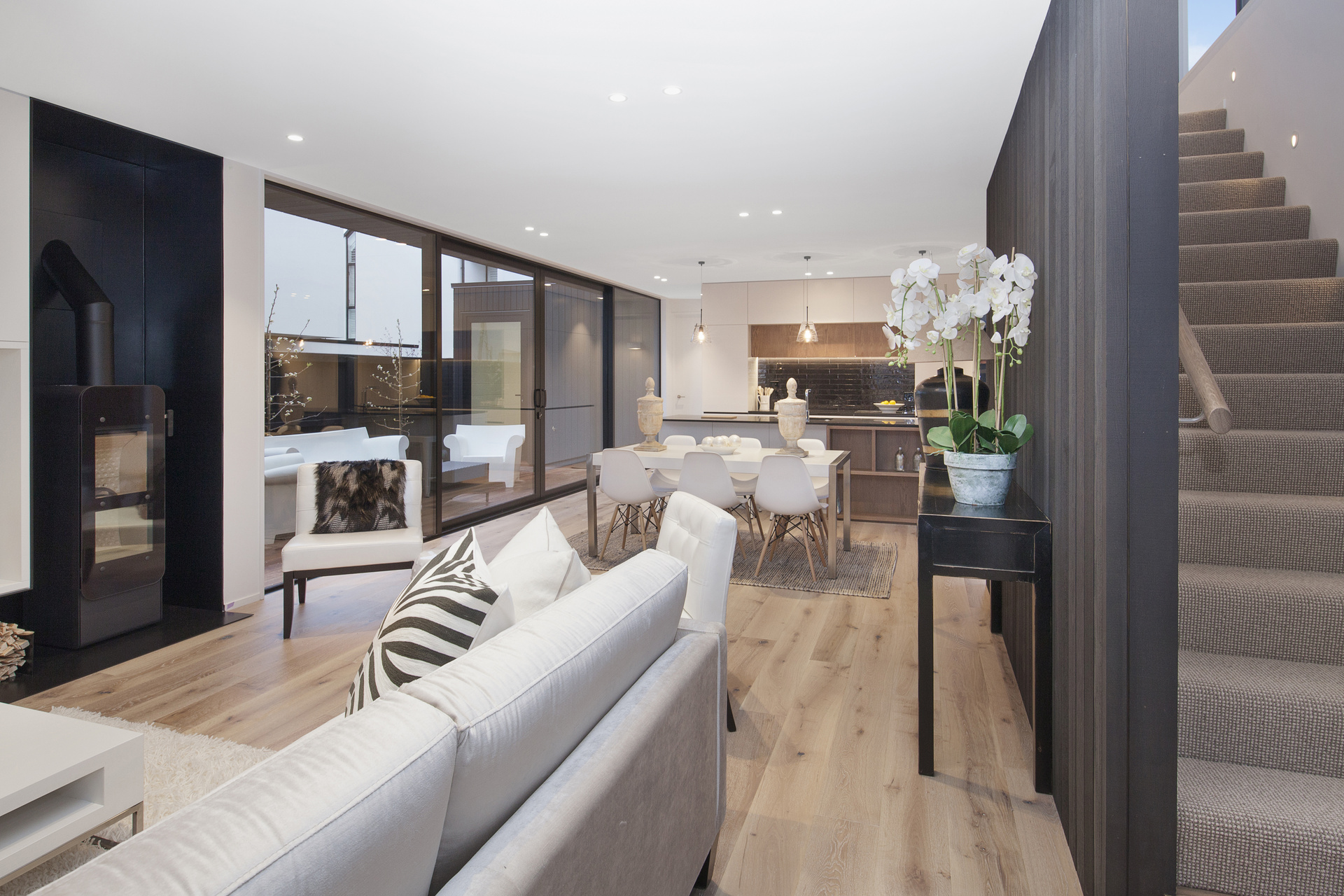 378 Durham Street - living view