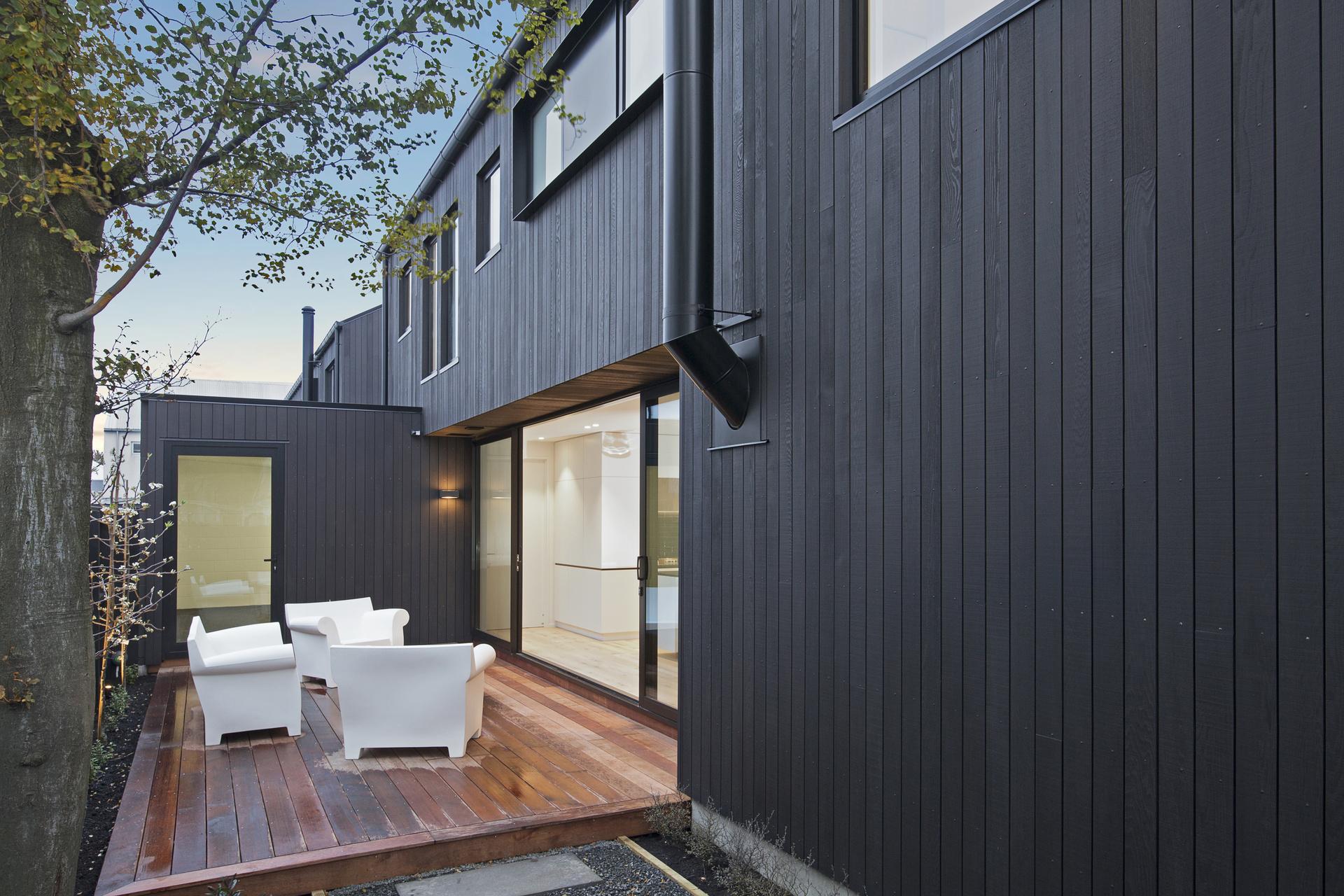 378 Durham Street - back deck