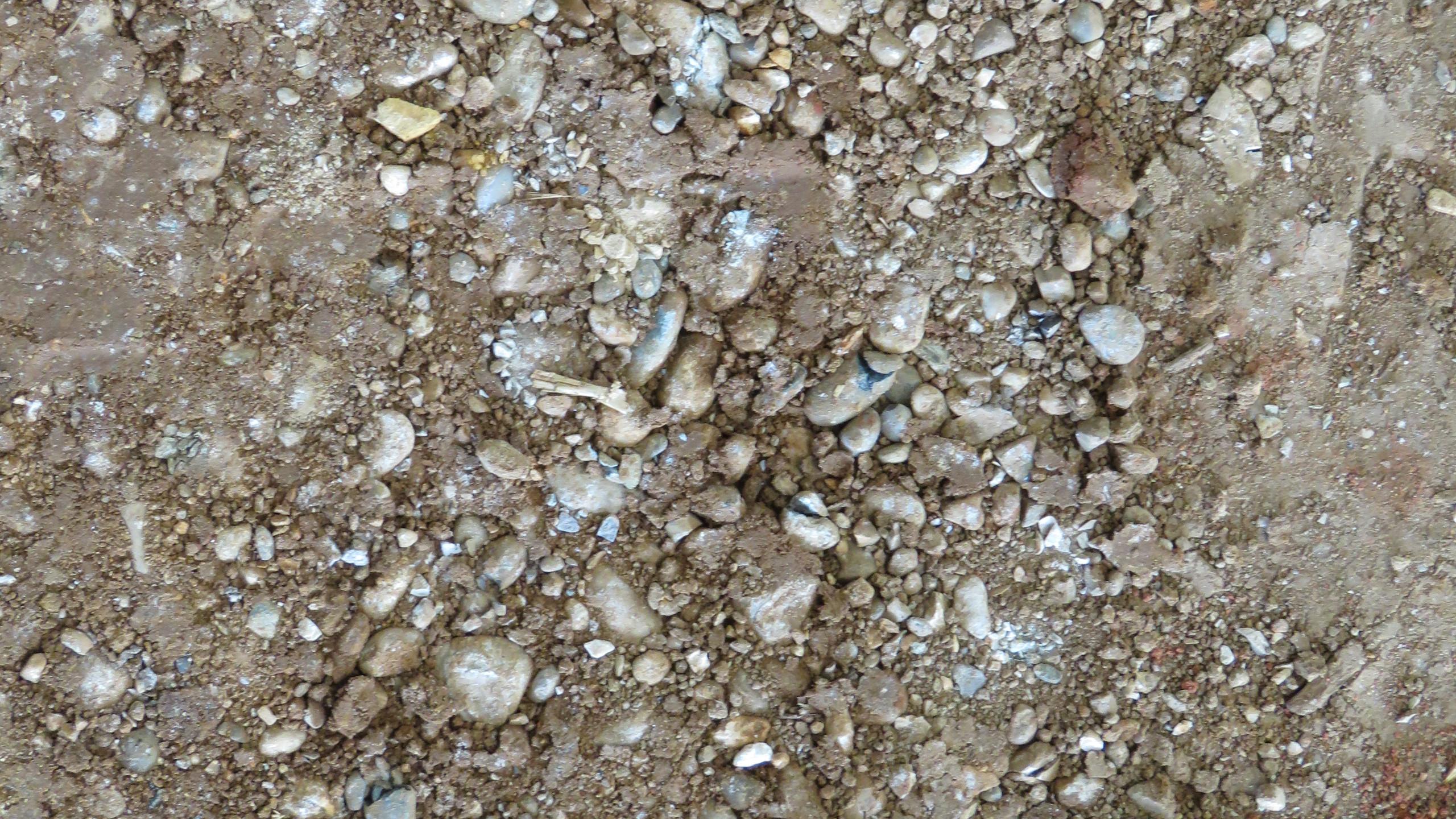 tömörített földfal felülnézet - dilatációs hézagokkal
