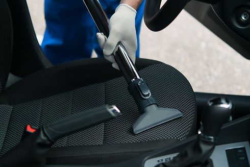 Chicago auto detailer cleaning car seats