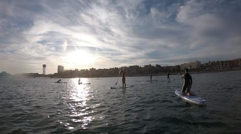 paddle_surfing_group_barceloneta.jpg
