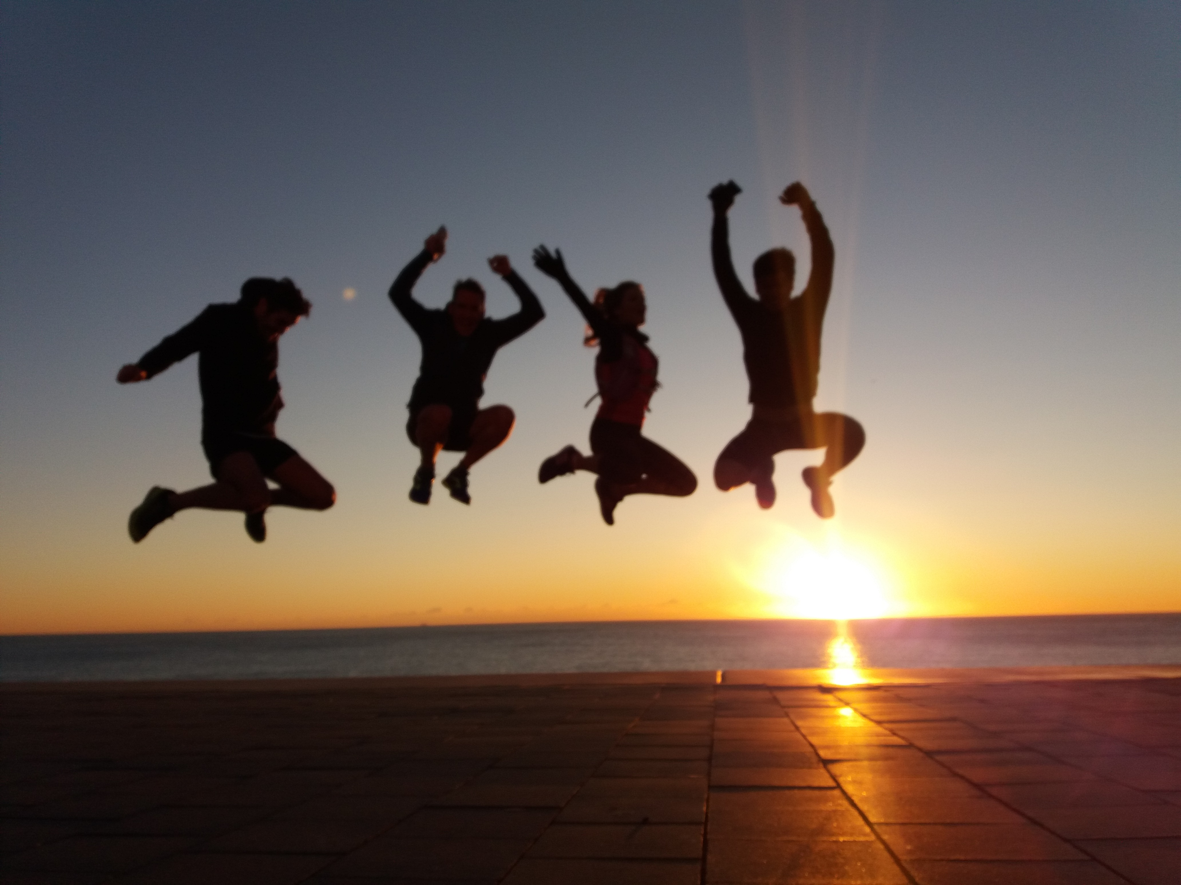 Jumping Sunrise Runners