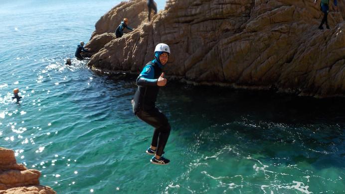 Thumb up! Coasteering with Yepalo