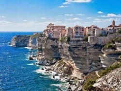 Frankrijk_Corsica_zuid_rots_stad_stadszi