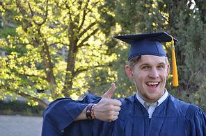 graduation-879941_1920.jpg