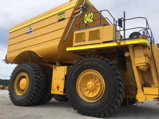 Komatsu 730 Water Truck
