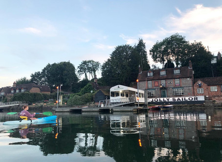 Make the most of your hire session with a paddle to The Jolly Sailor Pub