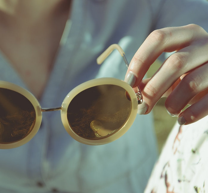 sunglasses-1246251_1280.jpg