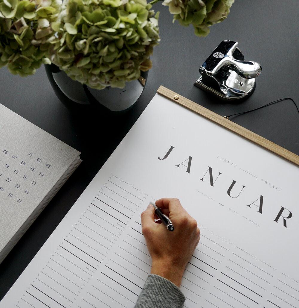 Calendar featuren in Norlii October box
