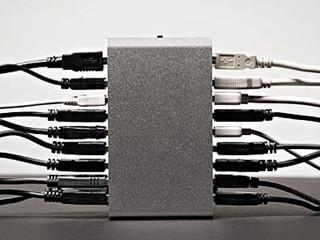 เทคนิคการเลือก USB Hub สำหรับดีเจและโปรดิวเซอร์ (แบบมีปลั๊กเสียบหรือไม่มีดีกว่ากัน?)