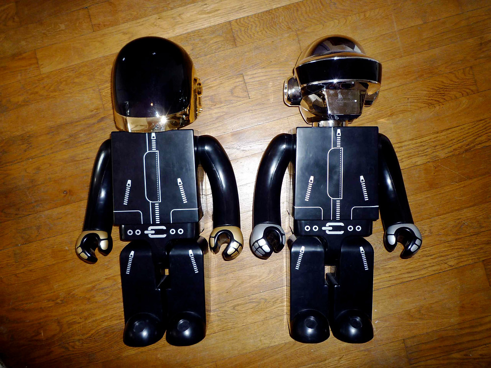 daft-punk-x-medicom-toy-co-x-silly-thing-1000-kubrick-1.jpg