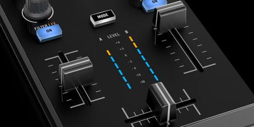 img-ce-traktor_kontrol_z1_overview_02_3_channelfaders_2x-af33dfc31aed57ce869df5f