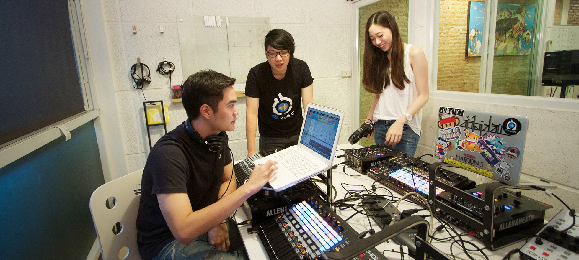 ห้องเรียนดิจิตอลดีเจ | InEarBeat