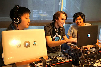 Digital DJ with Ableton Live English Course in Thailand. All student learn how to be a DJs in Digital Ages