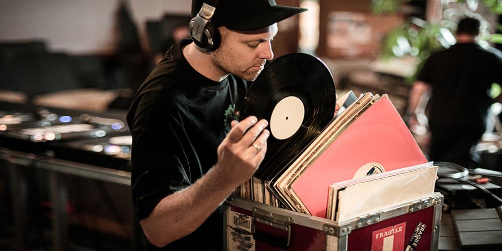 """5 อัลบั้มชั้นครู ที่ """"Bedroom โปรดิวเซอร์""""..ไม่ควรพลาด!! DJ Shadow"""
