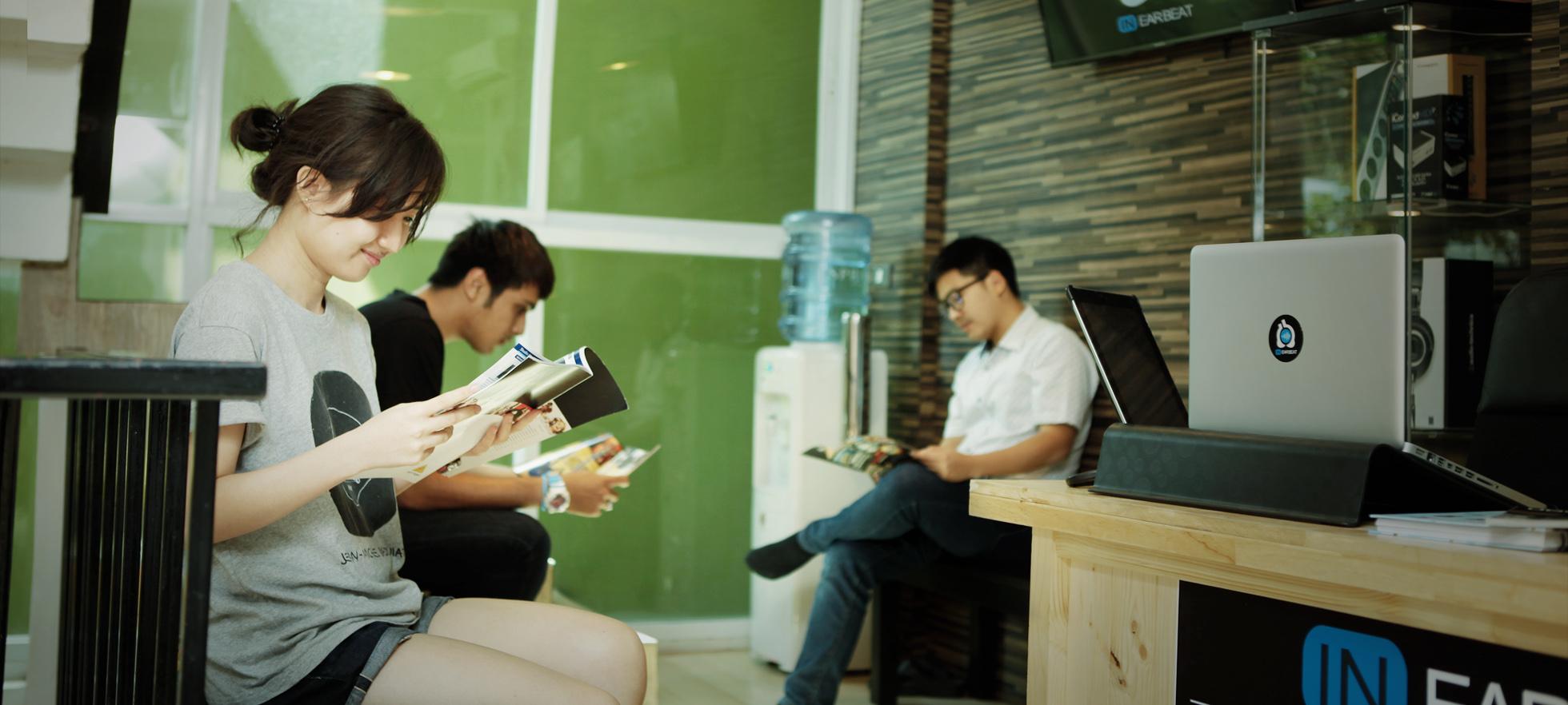 บริเวณนั่งรอเรียน | InEarBeat