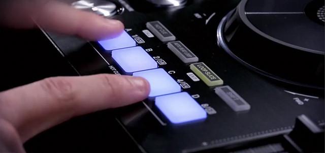 xdj-rx-cue-buttons.jpg