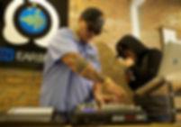 โรงเรียนดนตรีอิเล็กทรอนิกส์เปิดสอนการสร้างจังหวะดนตรีด้วยปลายนิ้วกับการใช้งานอุปกรณ์ MPC เพื่อนำไปใช้งานในการแสดง Live Show