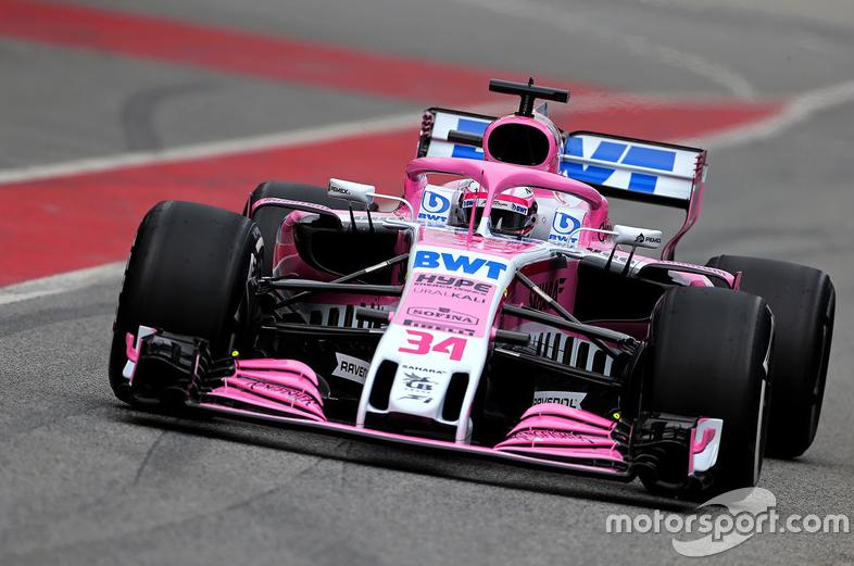 La Sahara Force India F1 VJM11 de Nikita Mazepin, lundi, sur le circuit de Barcelone—motorsport.com / Sahara Force India F1