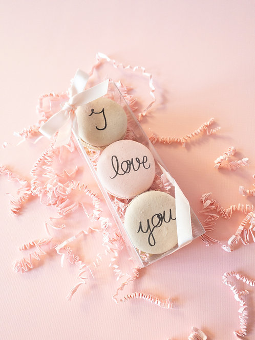 """I love you"" Macarons"