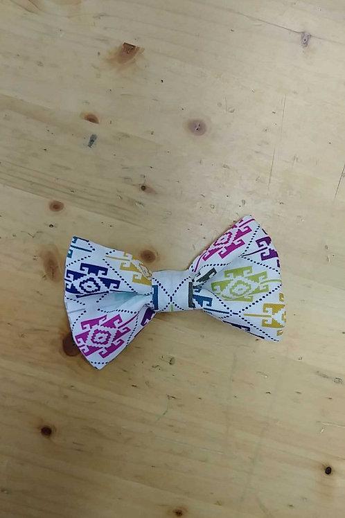 Multicolor bowtie clip