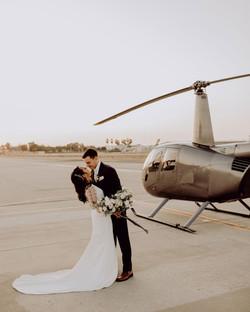 5de81247a880a781be16a2d5_unique wedding.