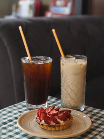Iced Americano, Iced Latte, Çilekli Tart