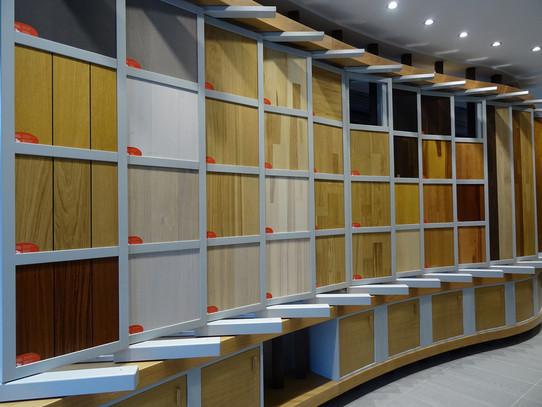 Folding exhibition cabinet