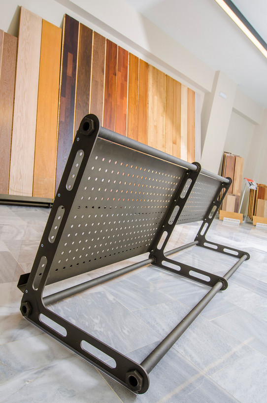 Steel stand for wooden planks