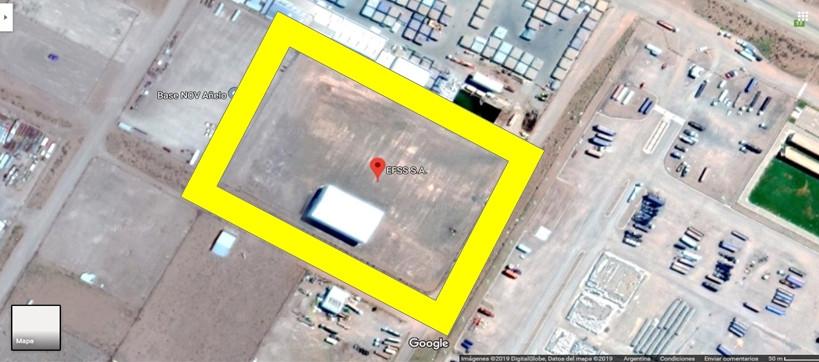 La locación tiene una superficie de casi 3 Has, compactadas con 40cm de calcáreos, (se utilizaron 12000m3 de calcáreos) con una superficie cubierta de 50x30= 1500m2.