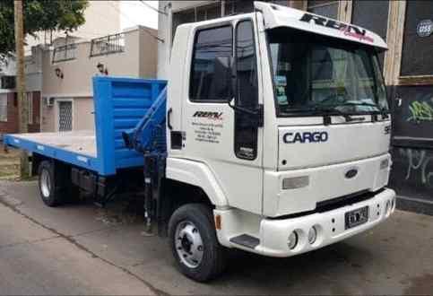Ford Cargo 915, año 2005, con hidrogrúa Bullcrane