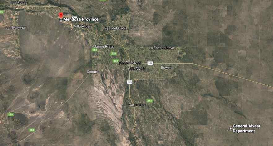 La Ciudad de Gral. Alvear está ubicada a 44 km.