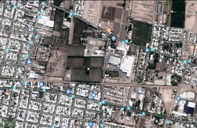Villa Nueva es el distrito cabecera del departamento de Guaymallen, el mas poblado de la provincia (300.000 habitantes), ubicado a 5 kilómetros del kilometro cero de la capital mendocina y con muy buena comunicación vial.