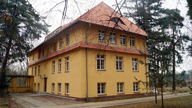 großes Gästehaus, Haus 13