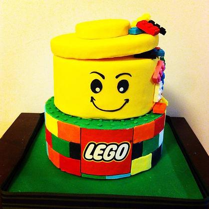 עוגות מעוצבות,עוגת לגו,lego cake,עוגה מעוצבת,יפעת פרי דפנא