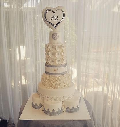 עוגת חתונה,עוגות חתונה,יפעת פרי דפנא,עוגו מעוצבות
