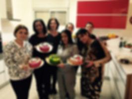 יפעת פרי דפנא,סדנת זילוף,סדנת זילופים,סדנת עוגות מעוצבות,עוגות מעוצבות,צנטרים