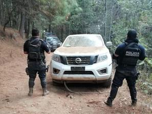 En Pátzcuaro, asegura SSP camioneta con reporte de robo