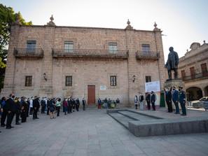 Sin discursos Humberto Arróniz preside acto por CCXV Aniversario del Natalicio de Benito Juárez
