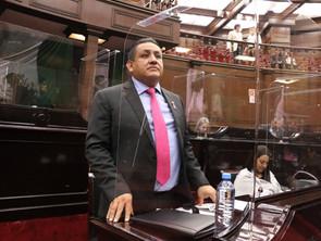 Congreso aporta para que Michoacán salga adelante: Víctor Manríquez