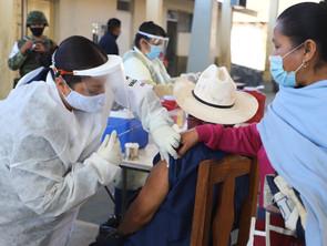 Cerca de 2 millones de michoacanos completan esquemas de vacunación anti COVID-19