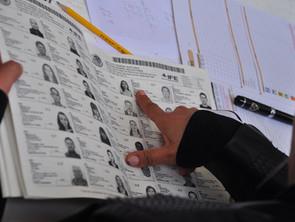 No regale su voto y póngase chinon.  Mucho OJO…