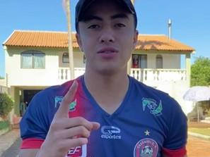 Desde Brasil, el futbolista michoacano Alí Valenzuela invita al concurso #QuédateEnCasaled