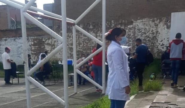 Invitan a jóvenes de tenencias de Morelia acudir a vacunarse contra el COVID-19