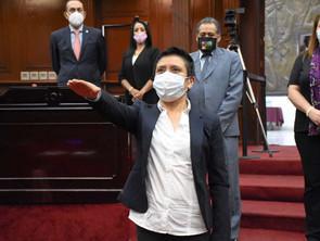 Rinde protesta Alfega Rivera como  presidenta municipal sustituta de Chilchota.