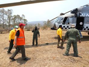 Estrategia de combate aire-tierra permitirá controlar incendio en el Cerro del Águila.